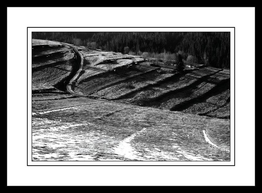 76 - Kľukatá cesta života v horách