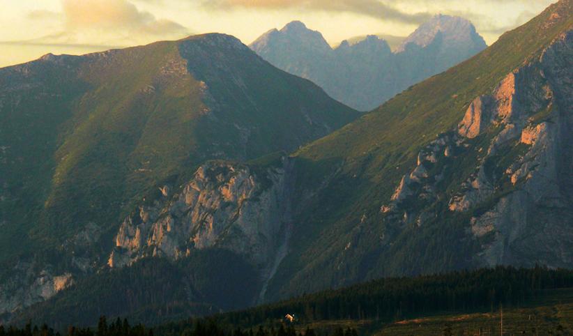 165 - Chalúpka v horách